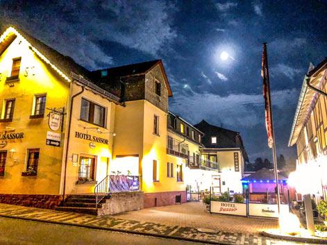Motorradhotel Ederbergland - Hotel Sassor - Sauerland - Siegerland - Motorradurlaub