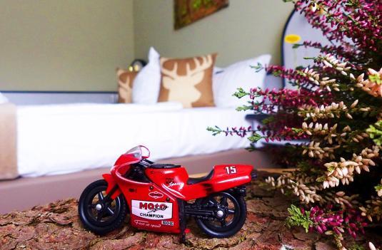 Das Motorradhotel im Thüringer Wald - Hotel Rennsteig - Rhön - Fränkische Schweiz - Thüringer Schiefergebirge