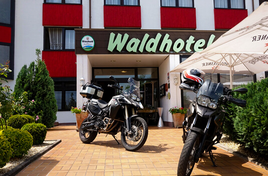 Das Motorradhotel in der Pfalz - Waldhotel Eisenberg - Elsass - Odenwald - Saarland