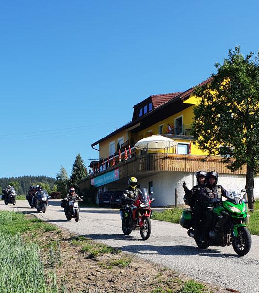 Gasthaus Pension Sonnenhof - Das Motorradhotel im Böhmerwald - Dreiländereck - Alpen